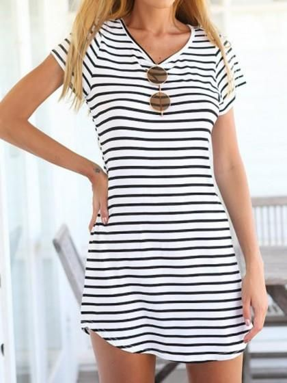Overview: Short Sleeve Striped Summer Dress is casual preppy and perfect to wear to a bunch wear out for a day of shopping or wear to the beach! Sizes run small so size up! Details: cotton Size: Small