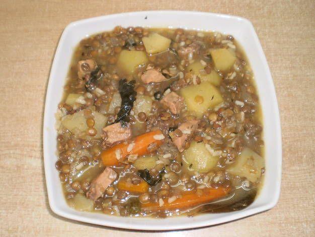 Lentejas con arroz, verduras y pollo