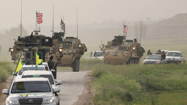 Die USA haben in Syrien auf dem Gebiet der Kurden-Miliz YPG mittlerweile sieben Militärbasen gebaut. RT Deutsch sprach mit Analysten und Journalisten aus Russland, Syrien und der Türkei über die Auswirkungen der US-Allianz mit der YPG.