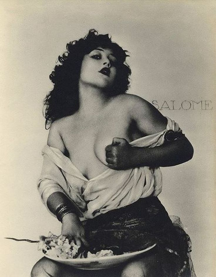William Mortensen. Salomé 1932