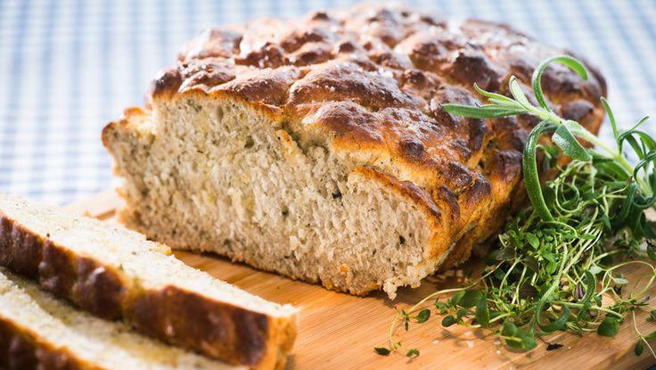 Italiensk bondebrød - Godt, hjemmelaget brød med olivenolje, eller focaccia som det heter på italiensk.