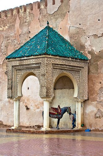 wall near Bab Mansour gate, Morocco Love the turquoise