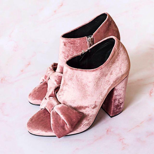 17 beste ideeu00ebn over Roze Fluweel op Pinterest - Fluwelen stoelen ...