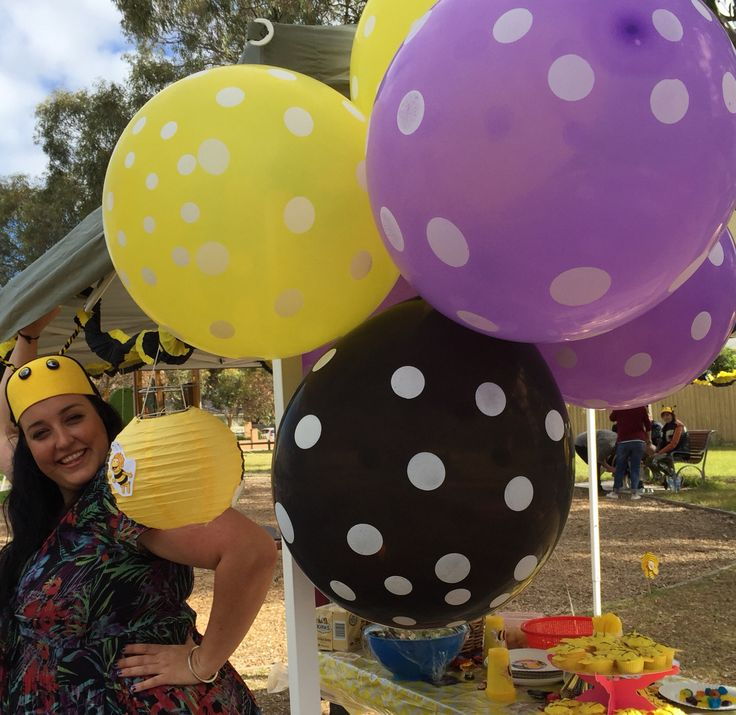 Balloons bee hive