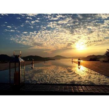 """『ベラビスタ スパ&マリーナ尾道(ベラビスタ境ガ浜)』は、広島県尾道市鞆の浦にある大人のリゾート。 ベラビスタとはイタリア語で""""美しい眺め""""という意味だそう。まさに言葉通りの景色を一望することが出来ます。"""