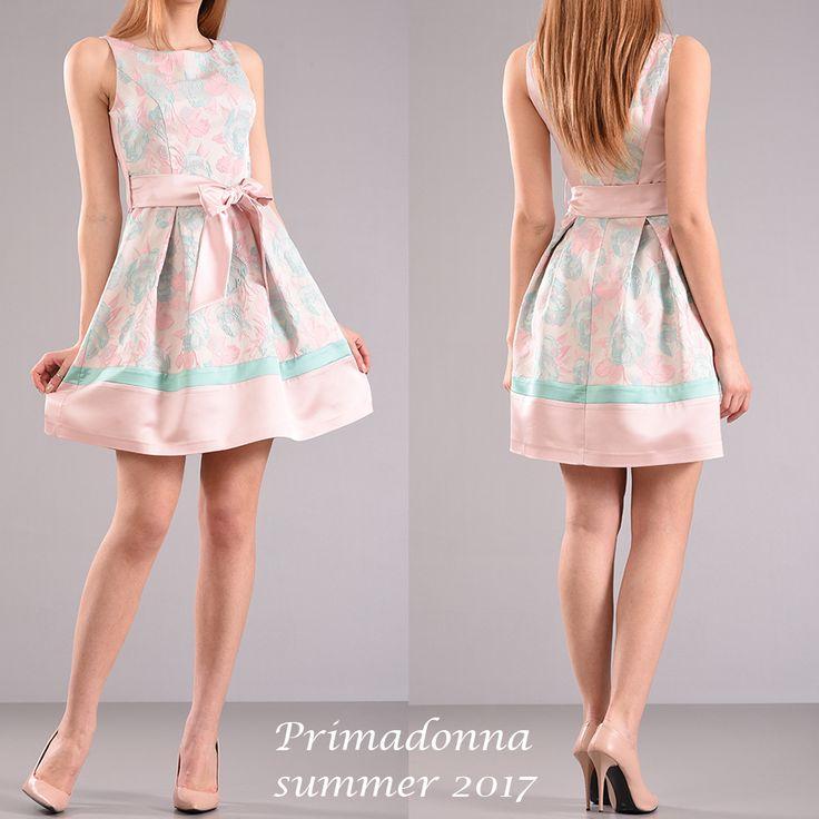 Κοντό φόρεμα με ζώνη σε γραμμή Α . Shop now > http://bit.ly/2rO4fpj