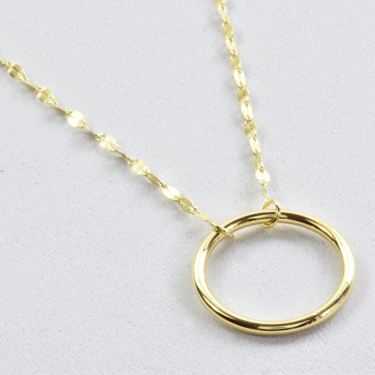 14K Yellow Gold Circle Necklace, Twisted Chain