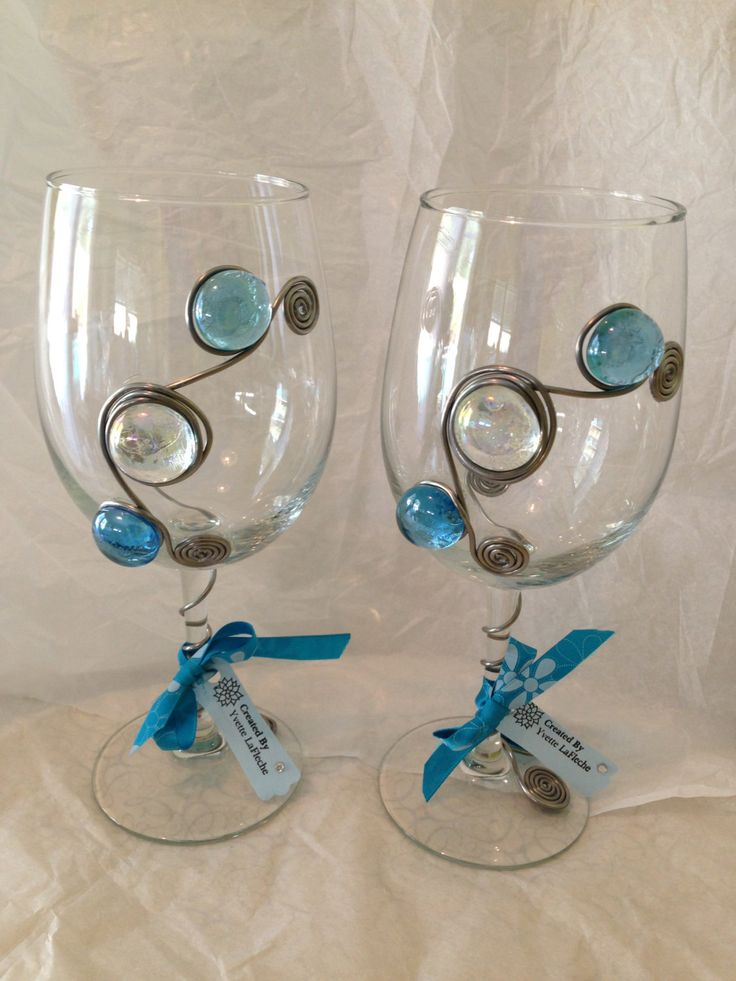 Wine Glasses With Decorative Glass Gems By Uniquewineglasses 40 00 Holidays Wine Glass