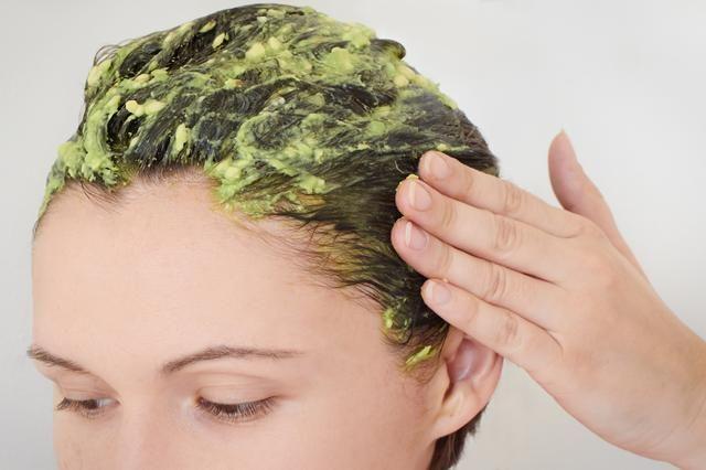 Túto masku stačí aplikovať 1x za týždeň a vlasy zhrubnú, zosilnejú a navyše aj zhustnú - Báječný lekár