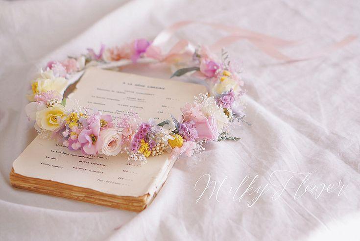* ラプンツェルカラーのドレスに合わせた花冠 * * とってもかわいらしい花嫁さまへ♡ * ピンクパープルとレモンイエロー のお花をナチュラルに編みあげました * * #花冠#花かんむり#はなかんむり#フラワークラウン#フラワー#ウェディング小物 #ウェディングブーケ #ウェディングドレス #ウェディングヘア#ヘアセット#ラプンツェル#ラプンツェルウェディング#ブライダル#ブライダルヘア #カラードレス#プレ花嫁#花嫁#卒花嫁 #結婚式#結婚式準備 #披露宴#前撮り#結婚式前撮り#ウェディングフォト#ナチュラルウェディング#ディズニーウェディング#ドライフラワー#プリザーブドフラワー#ヘッドアクセサリー#ヘアセット