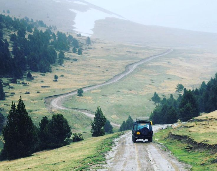 The mist was starting to set in as we climbed into the clouds. Photo by @gemandaledesigns #allterrainodyssey #ato #offroad #4x4 #4wd #offroadtrail #greenlane #adventure #expedition #overland #landrover #landroverdiscovery #landroverdefender #isuzutrooper #toyotahilux #pyrenees #spain#france#andorra #mountaintrails #mud #300tdi #gowild #exploremore #camping by all_terrain_odyssey The mist was starting to set in as we climbed into the clouds. Photo by @gemandaledesigns #allterrainodyssey #ato…