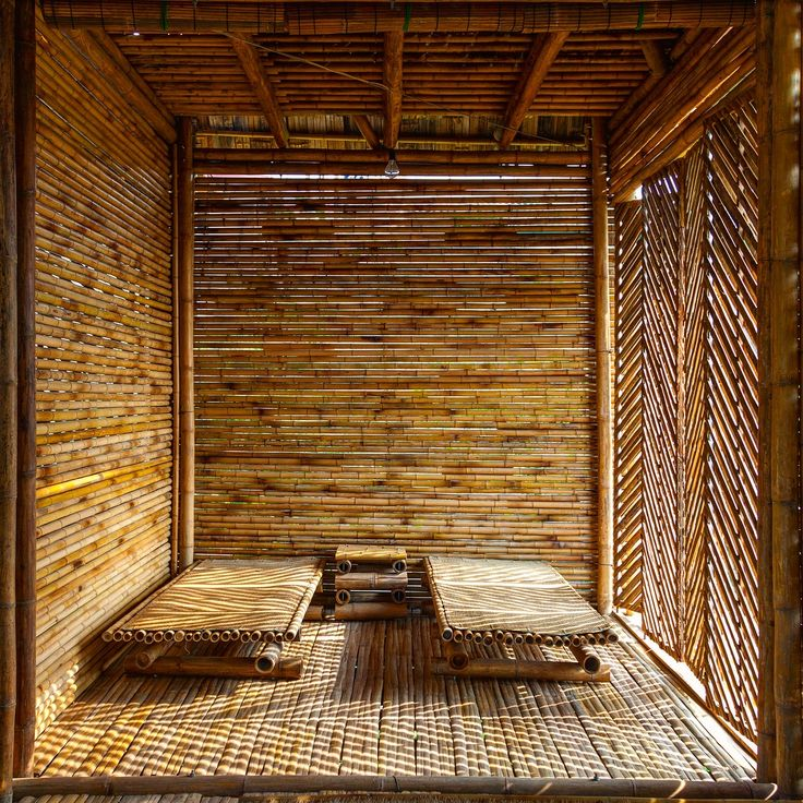 Blooming #bamboo homes are the key buildings to protect people of Vietnam 🇻🇳 in severe weather conditions! Strong, durable and easy to handle, these are the main aspects which make bamboo 🎍 the most wanted material to work with! 🤓