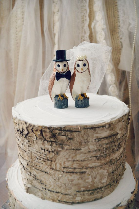 These sweet little owls are perfect for a rustic,woodland or country themed wedding! Also cute for upcoming winter weddings. The bride wears a