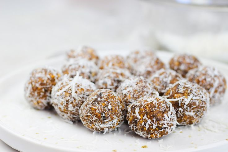 These apricot and cashew balls are by far the best energy balls I have ever tasted!