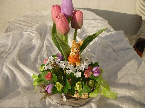 Velikonoční oválný košík se zajícem