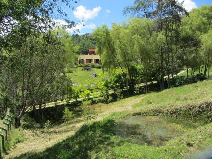 Vendo Terreno con hermosa casa en suesca - Cundinamarca $745.000.000 área 15.518m2