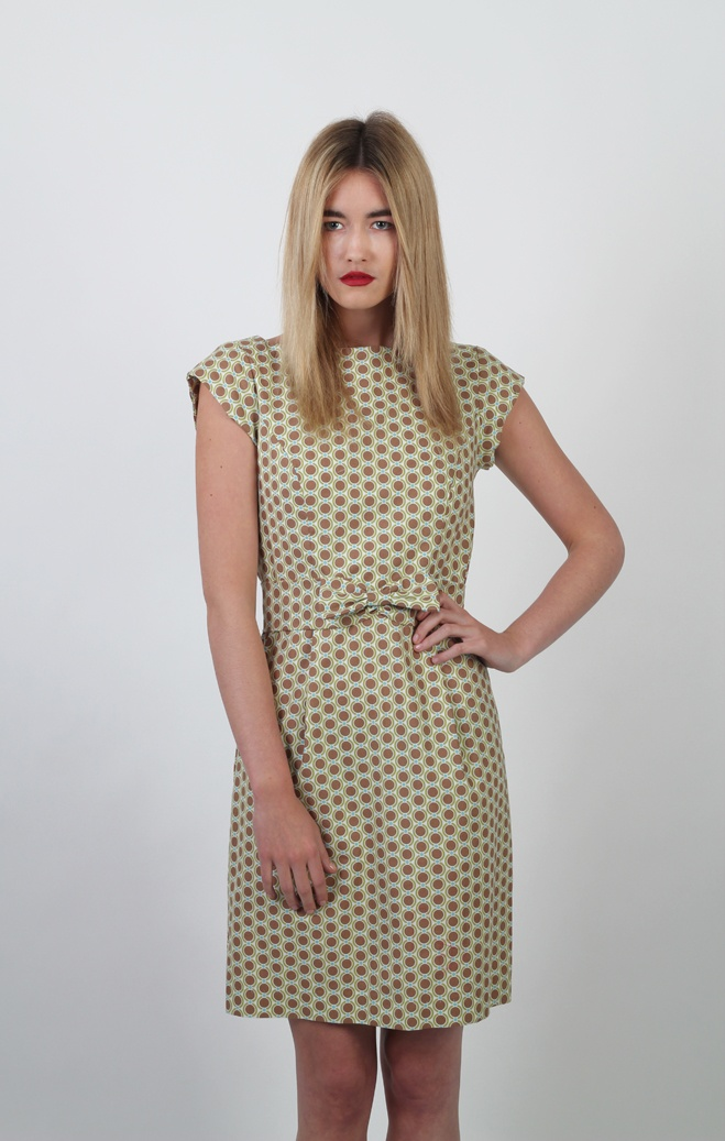 Our Summer Dress http://www.fashionantidote.com/how-to-make-a-simple-dress