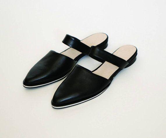 Piatti muli, ballerine in pelle, Calzature donna, scarpe nere, scarpe primavera, Ciabattina Scarpe chiuse, scarpe resort, scarpe da sera per le donne, bianche e nero