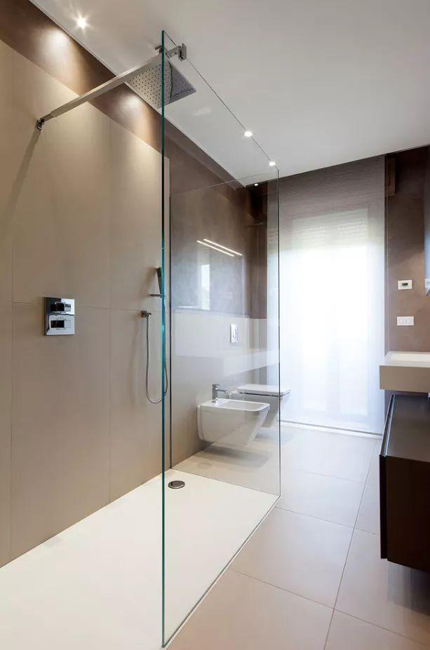 Oltre 25 fantastiche idee su piccoli bagni moderni su - Idee ristrutturazione bagno stretto e lungo ...