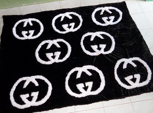 Karpet bulu 200x150cm