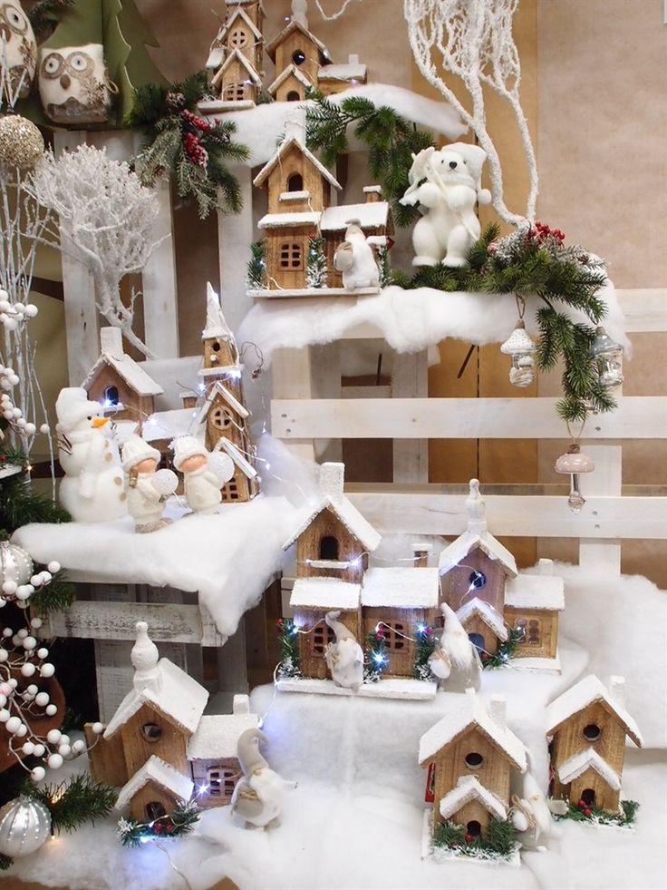 Una cittadina di montagna innevata, fatta con cassette, casine in legno, lucine e pancali...e il Natale è pronto! Guerrini Mauro - Shop OnLine