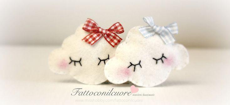 nuvola calamite idea bomboniera in perfetto stile fattoconilcuore, by fattoconilcuore, 2,60 € su misshobby.com #misshobby #nuvola #battesimo #bomboniere #calamite #handmade # cloud #felt