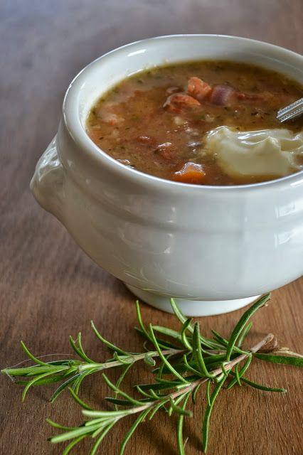 Eet lekker: Bruinebonensoep met rozemarijn