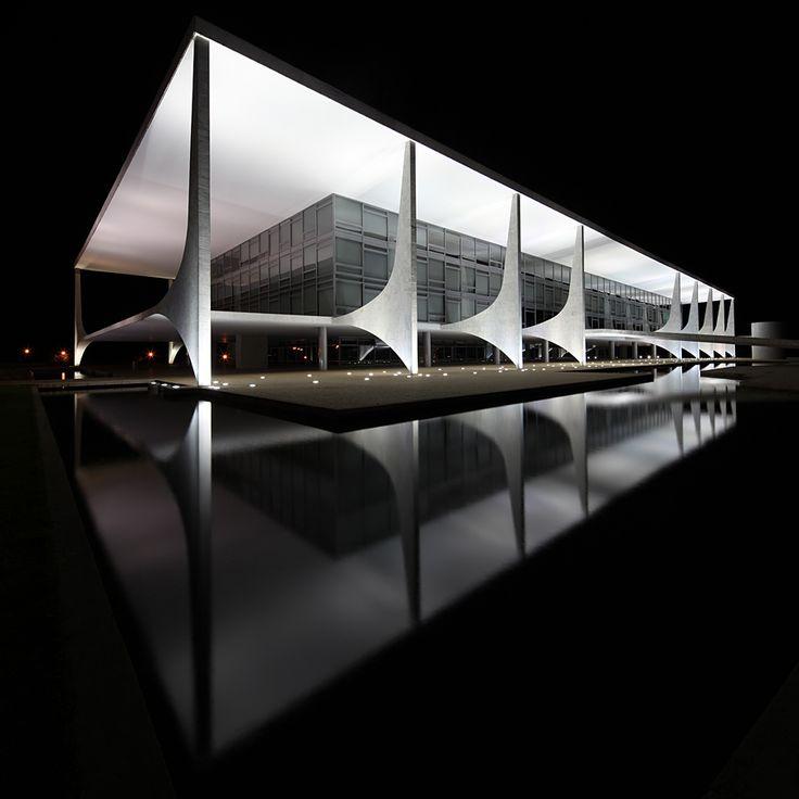 Palácio do Planalto | Oscar Niemeyer / Arquitectura / www.facebook.com/catalogoarquitectura