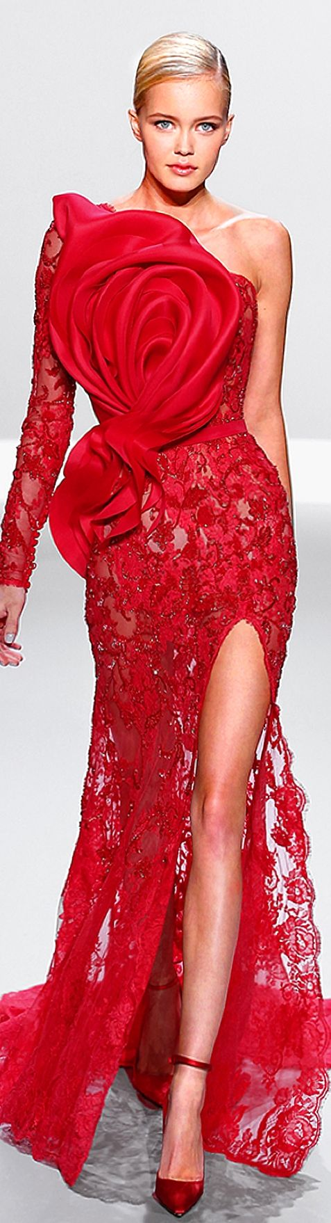 Ralph & Russo SS 2014 red gown.. have you seen something prettier?