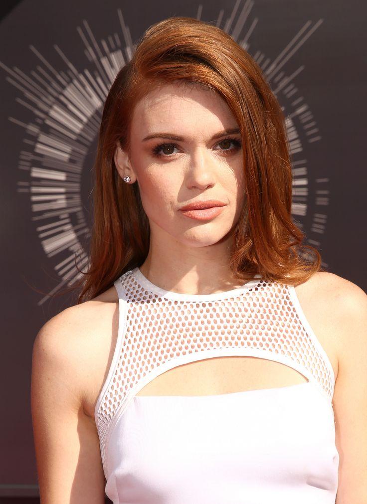Holland Roden (Lydia Martin in Teen Wolf) @ MTV VMAs 2014 Trucco naturale e angelico per la reginetta di Teen Wolf, che non ha bisogno di ricorrere a troppo makeup.