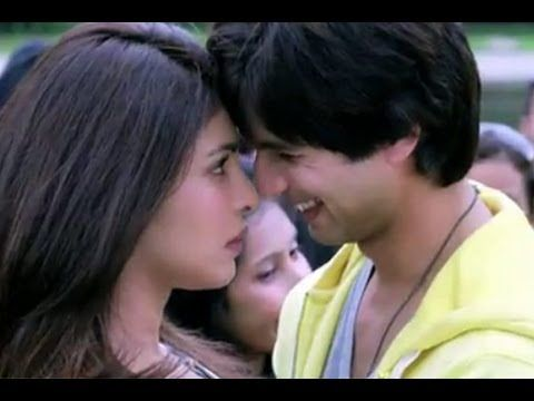 """Watch the new song """"That's All I Really Wanna Do"""" from the movie """"Teri Meri Kahaani"""" Starring Shahid Kapoor, Priyanka Chopra, Neha Sharma, Others, This movie directed by Kunal Kohli and music is composed by Sajid-Wajid.    Song : That's All I Really Wanna Do  Movie : Teri Meri Kahaani  Singer : Shaan, Shreya Ghoshal"""