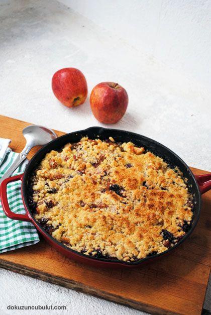 Elmalı ve vişneli çıtır (crumble)