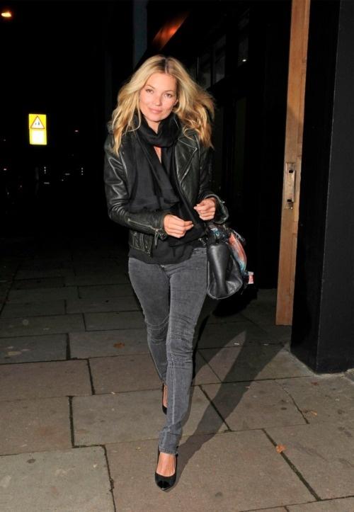 Kate Moss street style - blazer, scarf, skinny pant