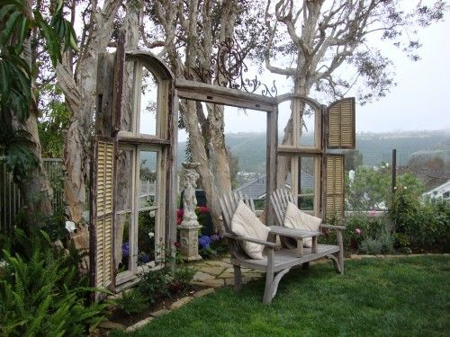 1000 ideas about recycled garden crafts on pinterest for Recycled window frames