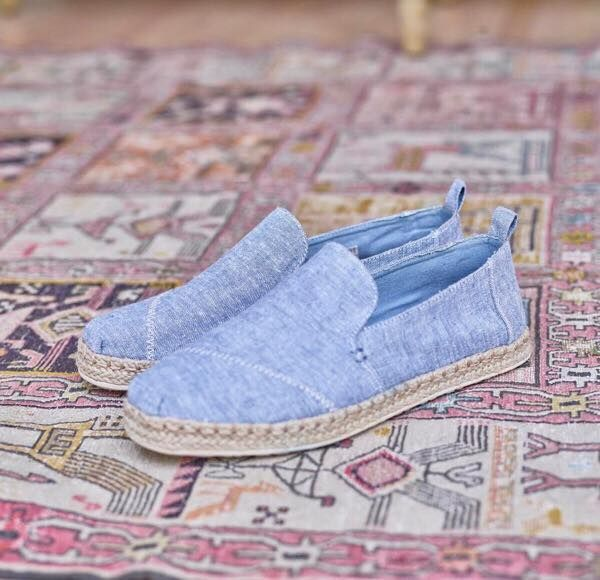TOMS: so quintessentially spring/summery!