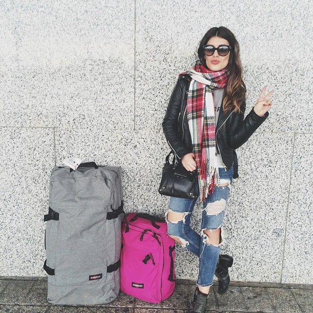 «Наши чемоданы выдержали и разошлись по швам прямо посередине дороги. А мы даже не прошли и половины от этого трудного пути. А впереди ещё вся жизнь» - Джек Керуак.  Наши чемоданы точно не разойдутся по швам! Ведь на ни гарантия 30 лет!#eastpak #eastpakua #bag #bagman #bagmanua #backpack #cool #like #fashion #style #travel #road #travelling #kievstyle #kiev #kievgram #kievdaily #kievbest #shopping #рюкзак #киев