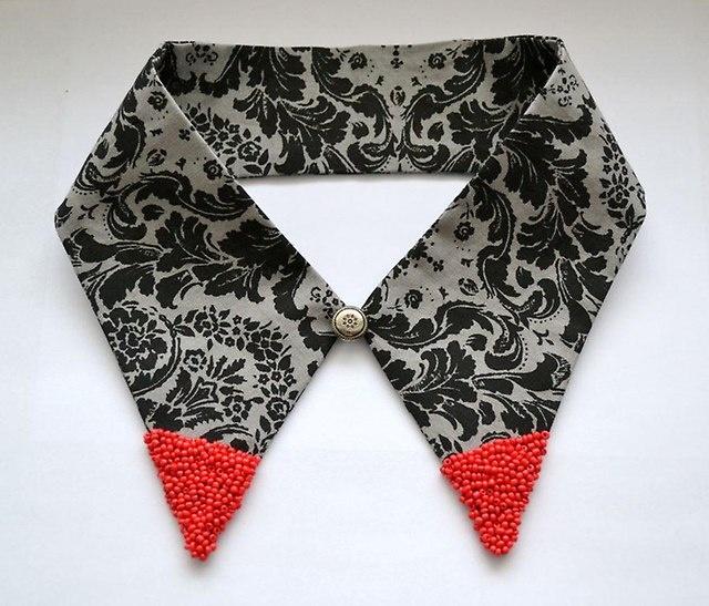 Artful collar
