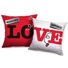 ¡Etiqueta el nombres de tu pareja y el tuyo en estos cojines y regálale un bonito detalle en San Valentin!