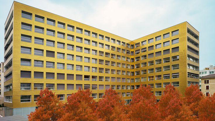 La Residenza Lugano - air-lux.ch  Für dieses Objekt ohne Balkone entwickelte Krapf AG ein vertikal absenkbares air-lux Fassadenfenster. #architecture #architektur #fensterfassaden