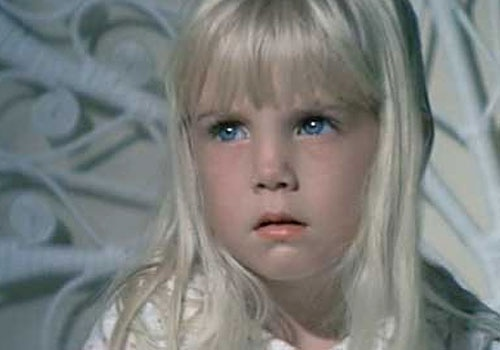 Heather O'Rourke.  Last words, to her mother before dying of medical error: I love you.