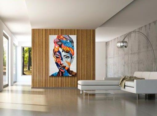 Co widzimy patrząc na ten portret? Połączenie piękna i zmysłowości z odwagą i wolnością. Oryginalny obraz będzie idealną dekoracją dla wnętrza urządzonego w stylu boho lub industrialnym.   #obraz # obrazy #obrazyludzie #kobiety #zmysłowy # kolorowy #graffiti #stylboho #stylindustrialny #artgeist
