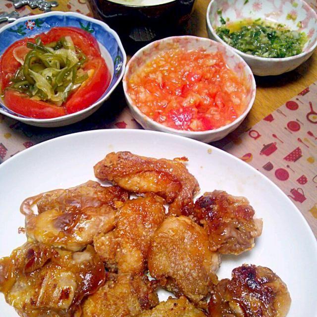 唐揚げはオーブンで 揚げるのも今度やろう - 7件のもぐもぐ - 6月2日 唐揚げ(ねぎ&サルサソース) 玉ねぎと茎わかめのトマトサラダ お味噌汁 by sakuraimoko