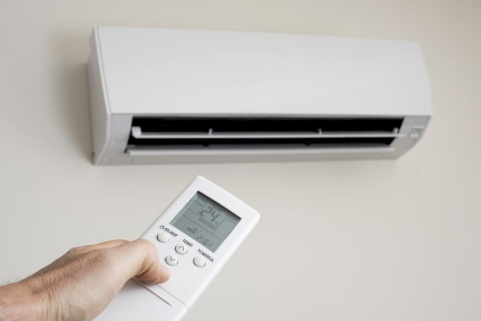What are the features and benefits of split system air conditioner?