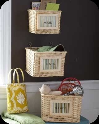 Baskets to organize: Storage Solutions, Organizations Ideas, Wall Storage, Baskets Organizations, Storage Baskets, Small Spaces, Center Organizations, Storage Ideas, Hampers