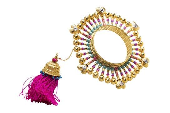 Amrapali signe les bijoux du défilé Manish Arora http://www.vogue.fr/joaillerie/news-joaillerie/diaporama/amrapali-signe-les-bijoux-du-defile-manish-arora/9922#!amrapali-signe-les-bijoux-du-defile-manish-arora