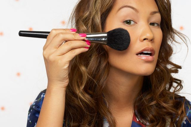You don't have to take professional makeup courses to learn how to correctly apply bareMinerals makeup, the powder foundation created by Bare Escentuals. Mineral makeup is...