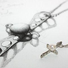 white gold + pearl - design by silvanuno.com