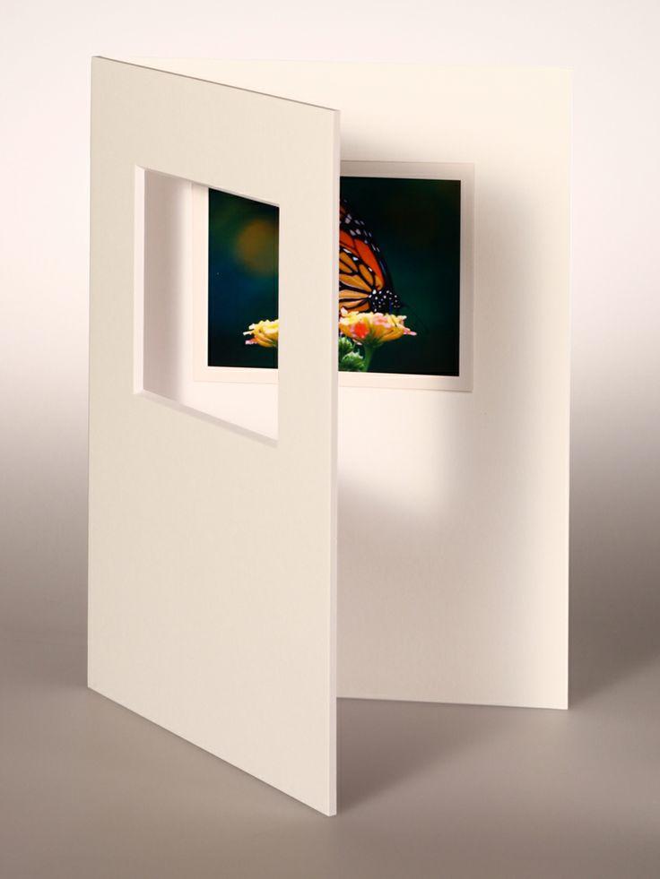 PASSEPARTOUT bianco 18x24 cm con foro decentrato orizzontale per Pellicola FUJI FP-100 e fondo bianco 18x24 cm