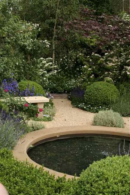 Trendiga och riktigt moderna trädgårdar kan verkligen kan få en att gå ner i spagat och säga 'wow'!! Jag tilltalas av nytänkande formgivning...