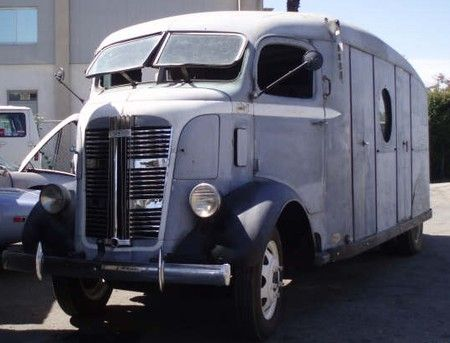 Front view of the 1937 GMC COE beer truck that needs to be my mobile home!!!